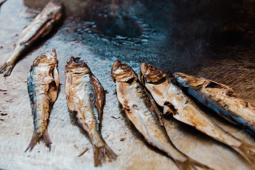 Il virus azzera la festa con sardine e salsicce